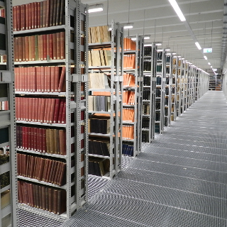 Storage systems for archives